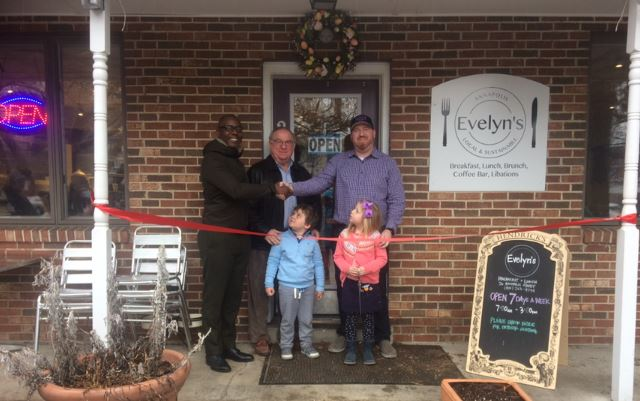 Mayor's office cuts ribbon for Evelyn's Annapolis
