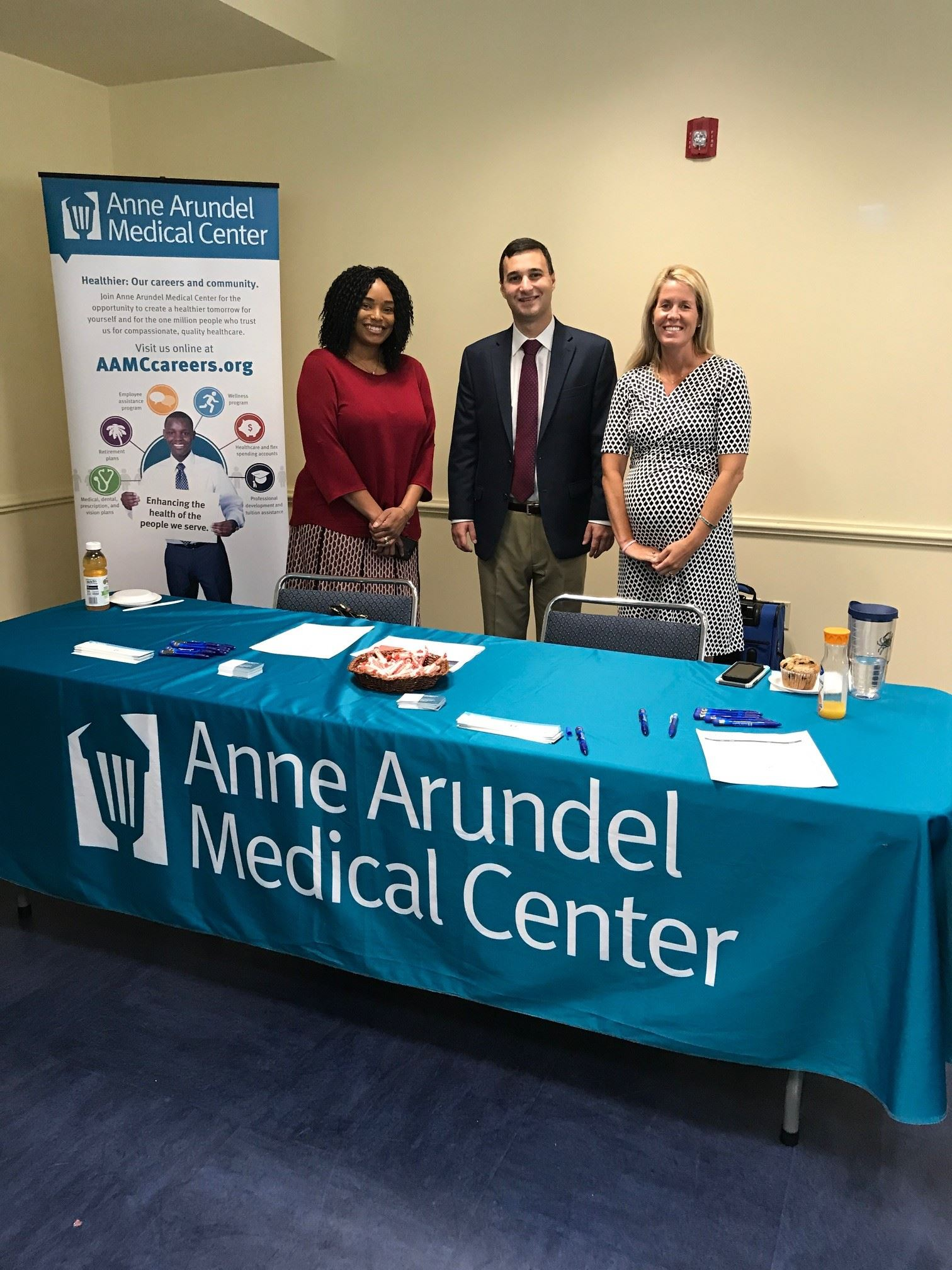 Mayor Pantelides with representatives of Anne Arundel Medical Center
